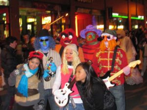 fun muppets group costume idea