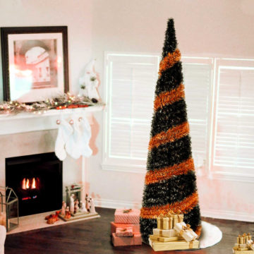 Black and orange Halloween tree!