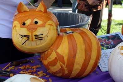cheshire-cat-pumpkin-by-iceninejon.jpg