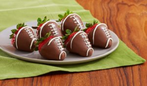 chocolate covered strawberries for superbowl
