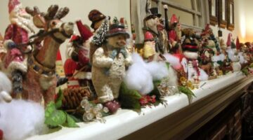 Fun Christmas Decorating Themes For Christmas Trees & Other Interior Decor