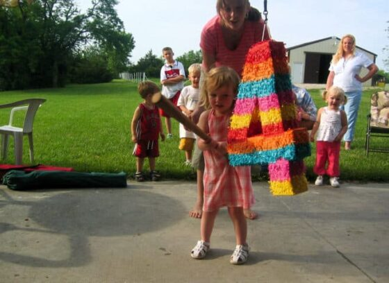 See how to make a pinata for a child's birthday party or any special occasion.