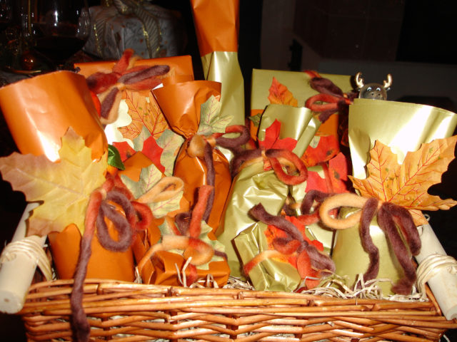 Food gift baskets that are easy to make the holiday and for Holiday party gift ideas for the hostess