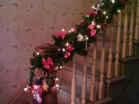 garland-on-stairs-by-gracey.jpg