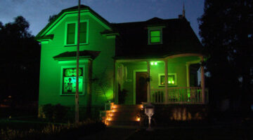green-halloween-lights-decorations