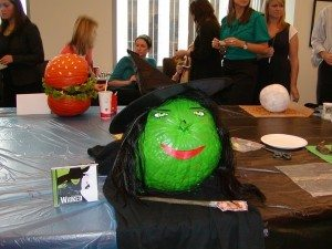 green-witch-pumpkin-decorations