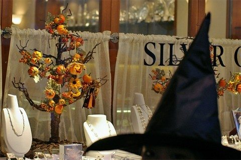 halloween-tree-by-HAMACHI