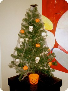 halloween-tree-by-Lady-Luck.jpg