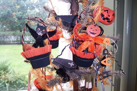 halloween-tree-by-PaperNest.jpg