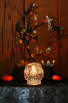 halloween-tree-by-clownfish.jpg