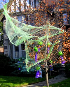 halloween-tree-with-cobwebs-by-BobCatnorth.jpg