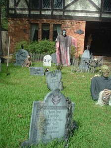 haunted-yard-for-halloween-by-Tammra-McCauley.jpg