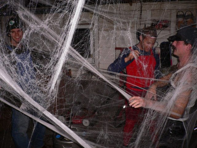 how to make spider webs