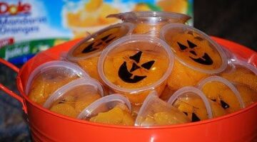 The Best Halloween Candy To Hand Out: A List Of Halloween Treats For Kids That Trick-Or-Treaters Rarely Receive But They Really Enjoy!
