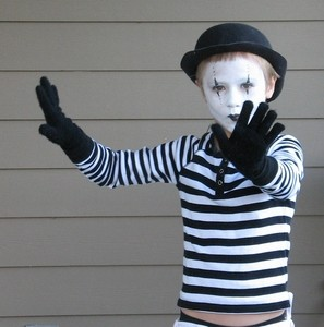 kids-mime-halloween-costume-by-Noel_Zia_Lee.jpg