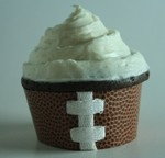 paper-and-laces-football-cupcakes.jpg