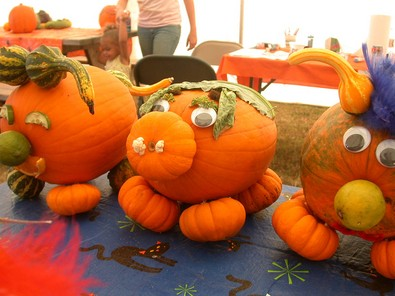 pigs-animals-carved-pumpkins-by-carobe.jpg