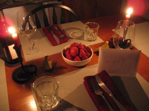 romantic valentines day dinner setting