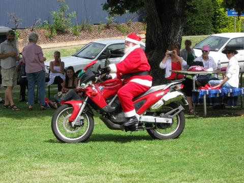 santa-on-motorcycle-by-Serendigity.jpg