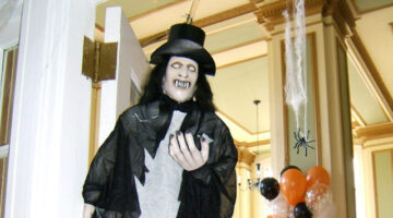 Halloween Decorating Ideas: Clever Ways To Decorate Every Single Space Inside Your Home!