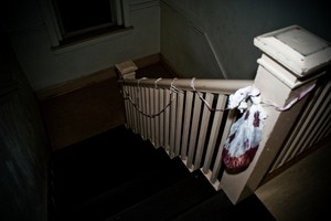simple-halloween-decorations-on-stairs-by-Jessee757.jpg