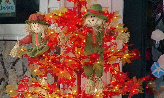 Thanksgiving Trees: Christmas Tree Shaped, With Seasonal