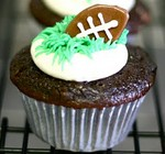 tootsie-roll-football-cupcakes.JPG