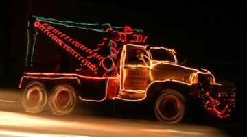 Pictures Of Cars Decorated With Christmas Decorations