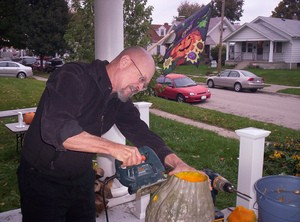 using-power-tools-to-carve-pumpkins-by-Uriel_1998.jpg